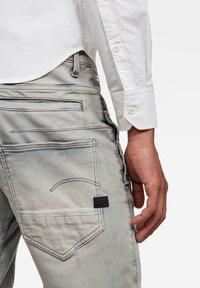 G-Star - D-STAQ 3D  - Denim shorts - medium aged - 3