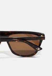 McQ Alexander McQueen - Sunglasses - havana - 2