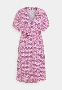 Tommy Hilfiger Curve - WRAP DRESS  - Jersey dress - pink - 0
