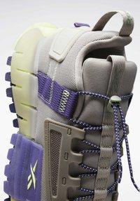 Reebok - Sneakers - grey - 8