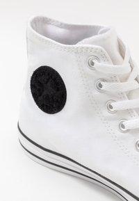 Converse - CHUCK TAYLOR ALL STAR - Baskets montantes - white/court purple/amarillo - 5