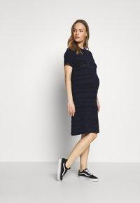 Dorothy Perkins Maternity - MATERNITY PONTELLE FIT AND FLARE DRESS - Strikkjoler - navy - 1