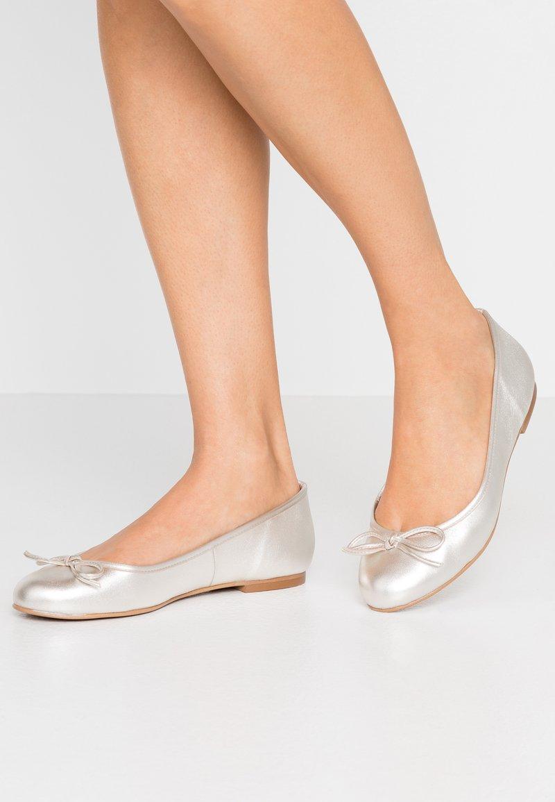 Brenda Zaro Wide Fit - WIDE FIT CARLA - Ballerinat - etoile elektra