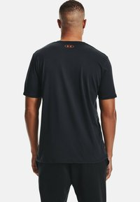Under Armour - BOXED STYLE - Print T-shirt - black - 2