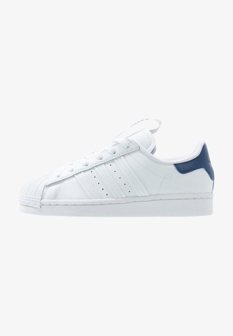 adidas Originals - SUPERSTAR - Sneakers laag - footwear white/collegiate royal/core black