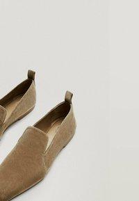 Massimo Dutti - Slip-ons - beige - 7