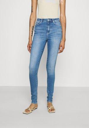 VMSOPHIA - Jeans Skinny Fit - medium blue denim