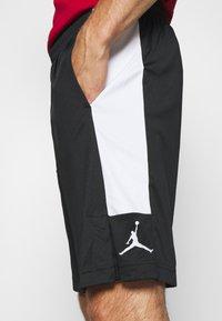 Jordan - AIR DRY SHORT - Sportovní kraťasy - black/white - 4