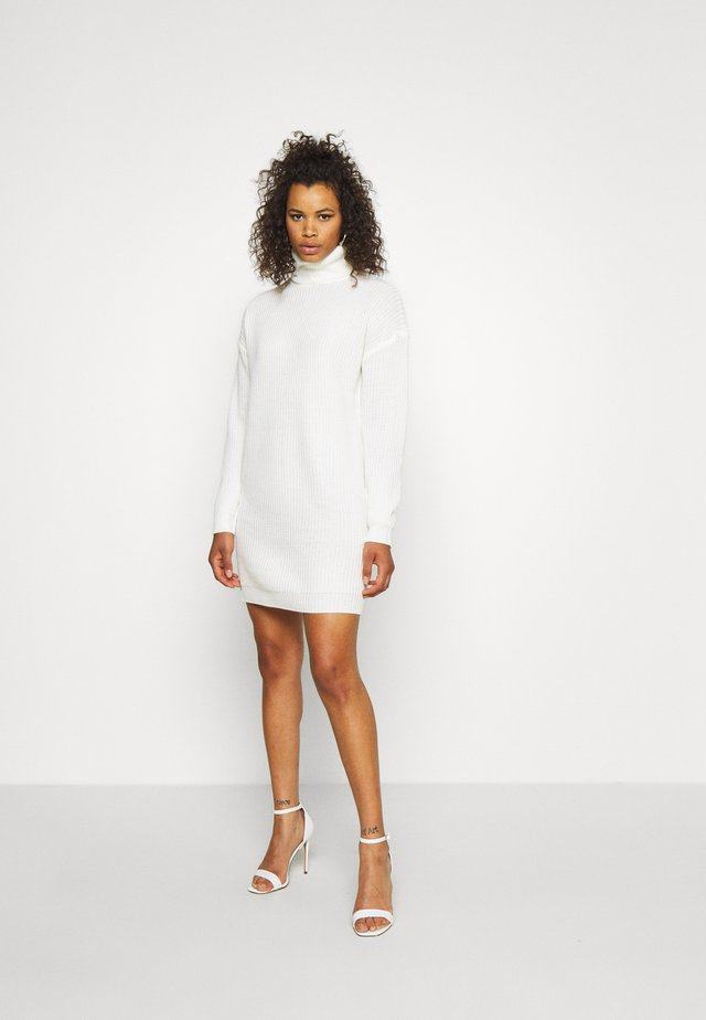 ROLL NECK BASIC DRESS - Robe pull - off white