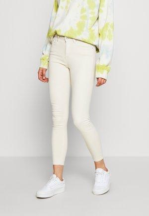 ONLBLUSH  - Jeans Skinny - ecru