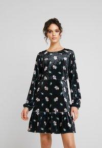 Monki - FIA DRESS - Jerseykjole - black - 0