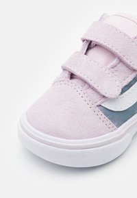 Vans - COMFYCUSH OLD SKOOL  - Sneakers laag - orchid ice/true white - 5