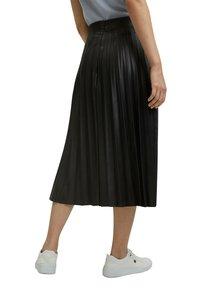 Esprit Collection - Jupe plissée - black - 5