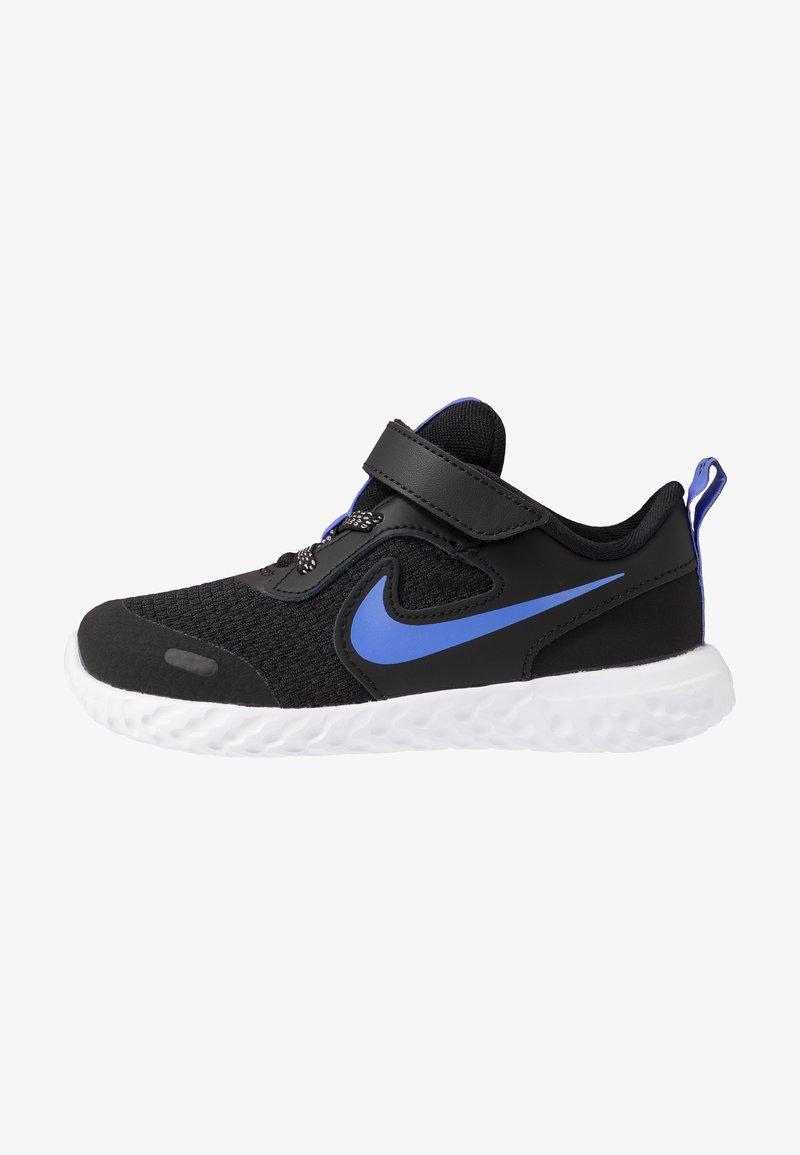 Nike Performance - REVOLUTION 5 GLITTER  - Hardloopschoenen neutraal - black/sapphire/lemon/white