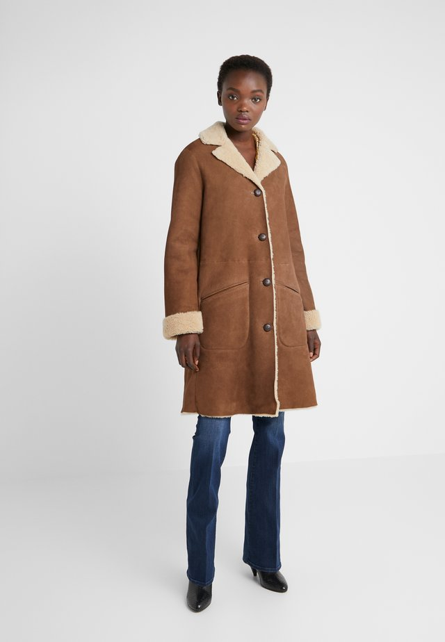 CAR COAT - Classic coat - chestnut