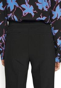 kate spade new york - SIDE SNAP PANT - Kalhoty - black - 5