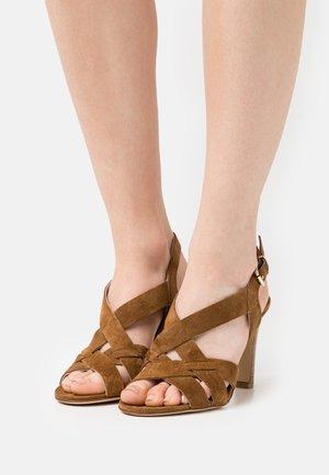 AGNITA - Sandals - cannelle