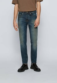 BOSS - Jeans Tapered Fit - dark blue - 0