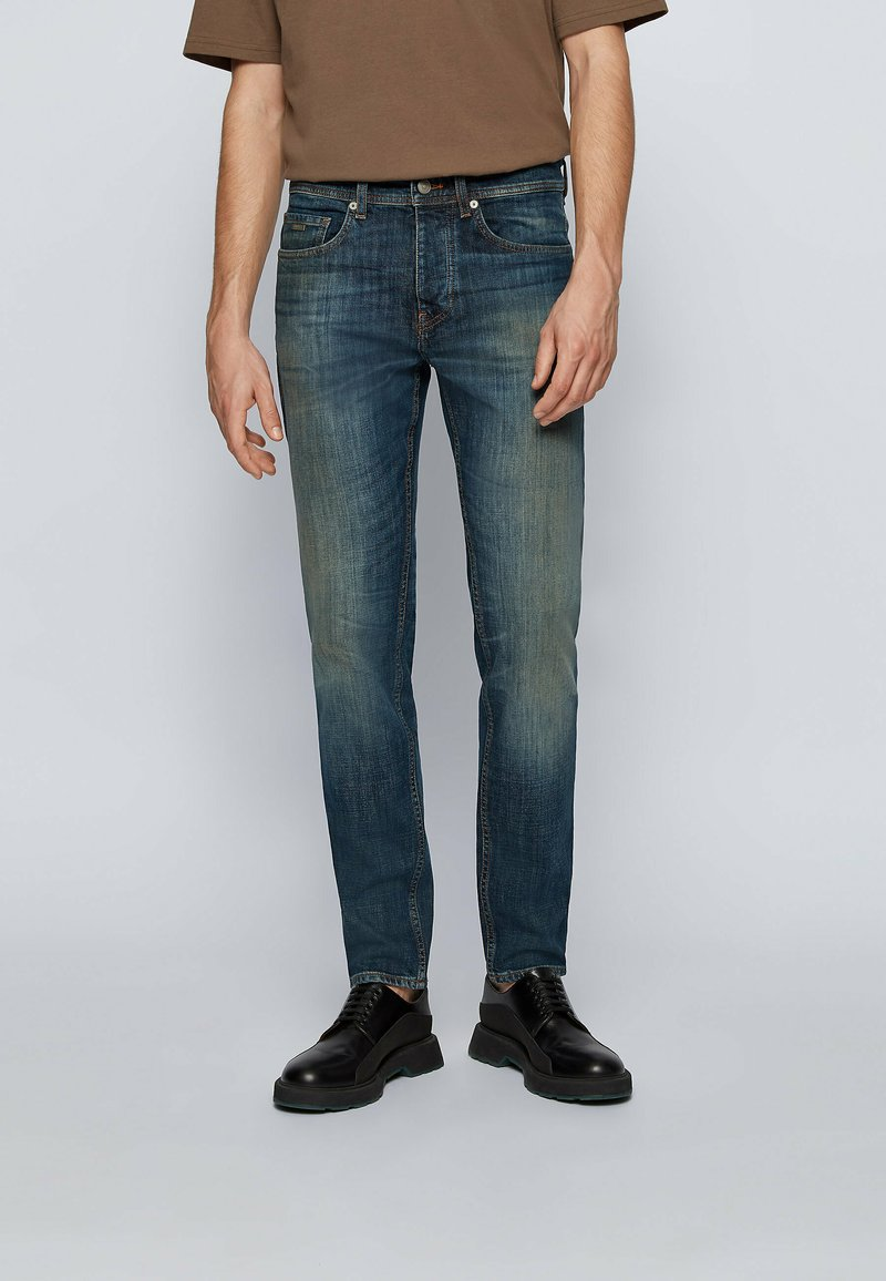 BOSS - Jeans Tapered Fit - dark blue