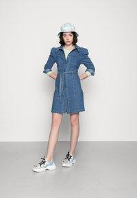 Vero Moda - VMMAGGIE SHORT DRESS - Denim dress - medium blue denim - 1
