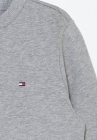 Tommy Hilfiger - GLOBAL STRIPE COLORBLOCK  - Sweater - grey - 4