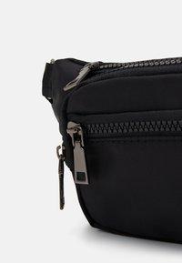 New Look - RORY BUMBAG - Bum bag - black - 3