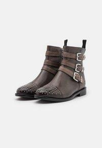 Melvin & Hamilton - SELINA - Cowboy/biker ankle boot - black - 3