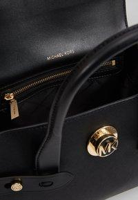 MICHAEL Michael Kors - FLAP SATCHEL - Handbag - black - 3