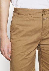 CLOSED - HOLDEN - Shorts - golden oak - 6