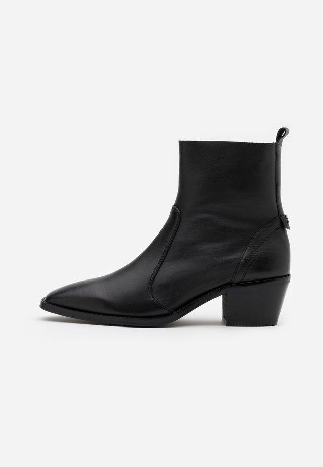 HOUYET - Kotníkové boty - black