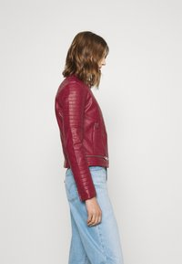 Pepe Jeans - LENNA - Faux leather jacket - currant - 3