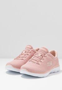 Skechers Sport - SUMMITS - Zapatillas - rose/white - 2
