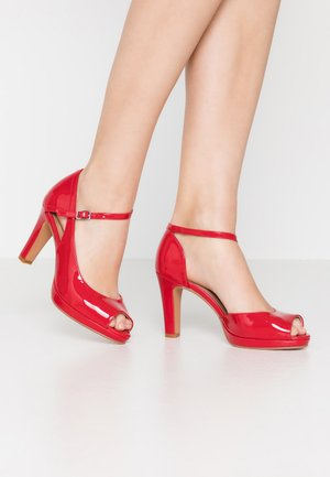 Zapatos altos - red