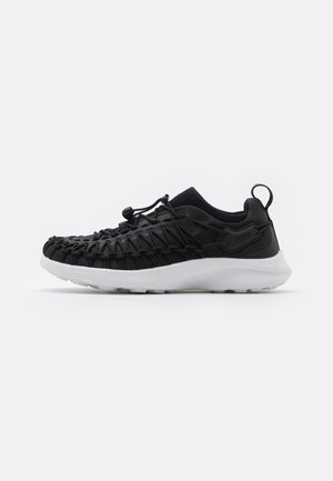 UNEEK SNK SNEAKER – TRAINERS - Obuwie hikingowe - black/star white
