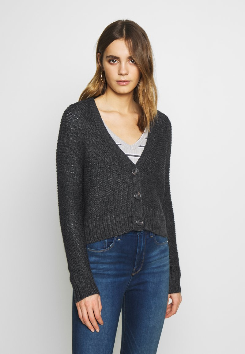 American Eagle - CROPPED SLOUCHY TEXTURE CARDIGAN - Vest - charcoal
