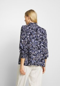 Kaffe - MOLLI HIGH NECK BLOUSE - Bluser - midnight marine - 2