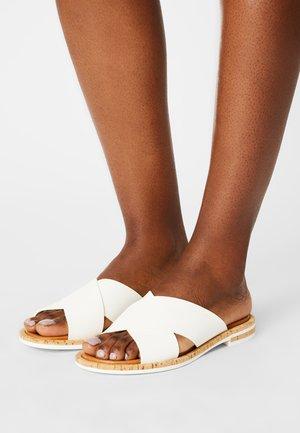 GENNY - Slip-ins - white