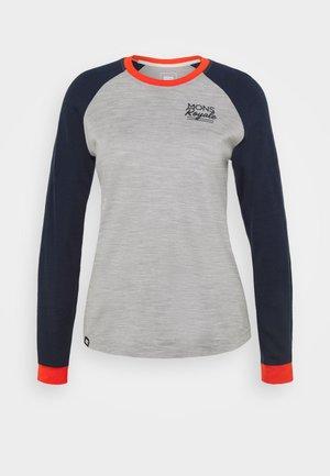 THE GO TO RAGLAN - Long sleeved top - navy/grey