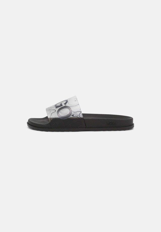 MATCH - Sandales de bain - black