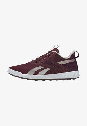 REEBOK EVER ROAD DMX 3 SHOES - Sports shoes - burgundy