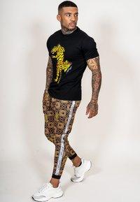 Ed Hardy - TIGER GROWL T-SHIRT - Print T-shirt - black - 2