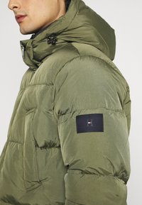Tommy Hilfiger - Down coat - green - 7