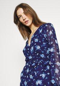 Gina Tricot - JULIANNA WRAP DRESS - Koktejlové šaty/ šaty na párty - navy - 3