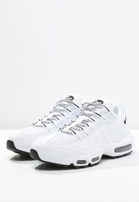 Nike Sportswear - AIR MAX '95 - Sneakers laag - white/black - 2