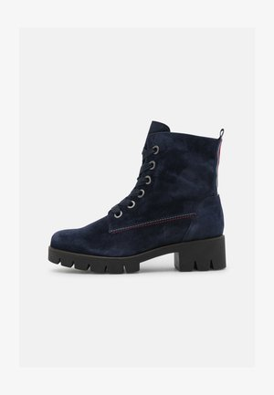 Platform ankle boots - marine