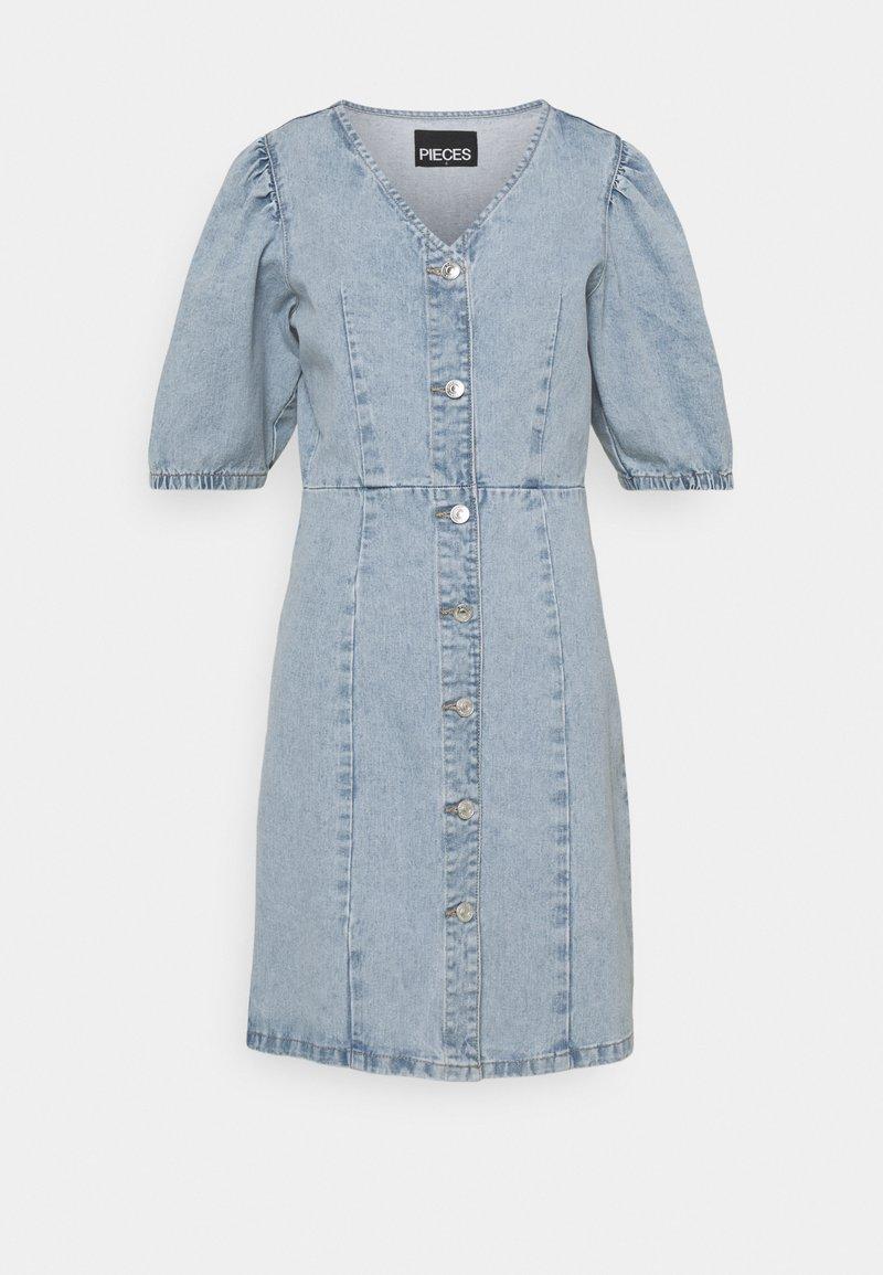 PIECES Tall - PCGILI V NECK DRESS - Vestito di jeans - light blue denim