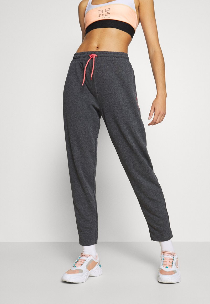 ONLY Play - ONPJOLIVIA PANTS - Pantalon de survêtement - dark grey melange/white/coral