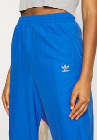 adidas Originals - BIG - Tracksuit bottoms - team royal blue/trace khaki/power pink - 3