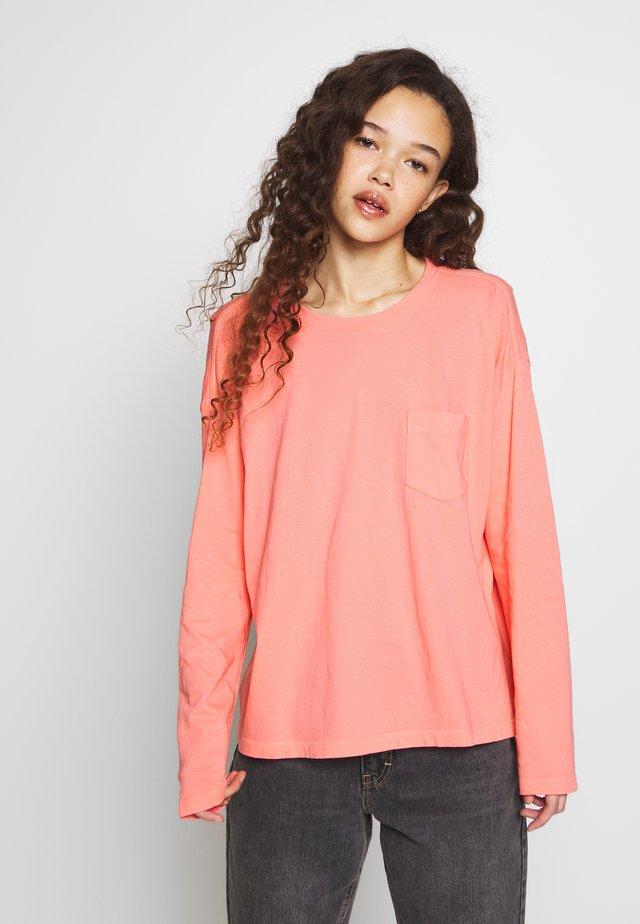 Long sleeved top - pink reef