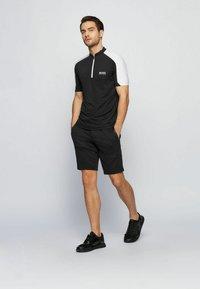 BOSS - LIEM - Shorts - black - 1